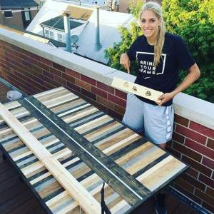 she-builds-furniture-in-her-spare-time-photo-u1